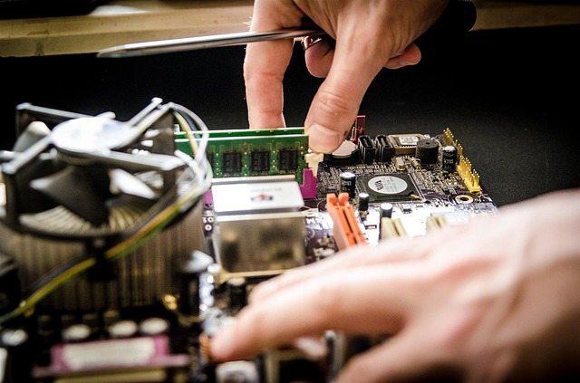 Computerreparateur spoed- Computer expert urgent